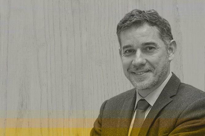 Professor da Universidade de Navarra, Ramón Salaverría